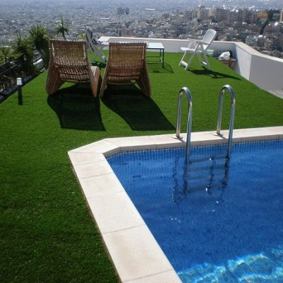 kunstgras zwembad